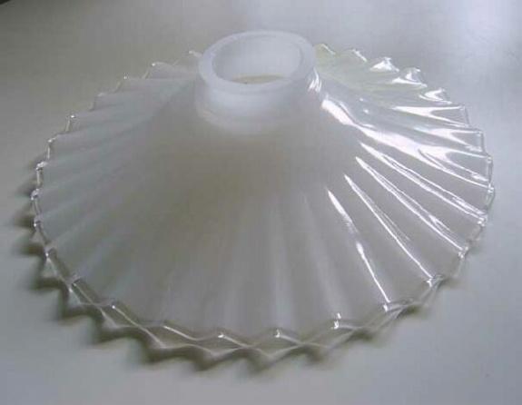 ミルクガラスシェード