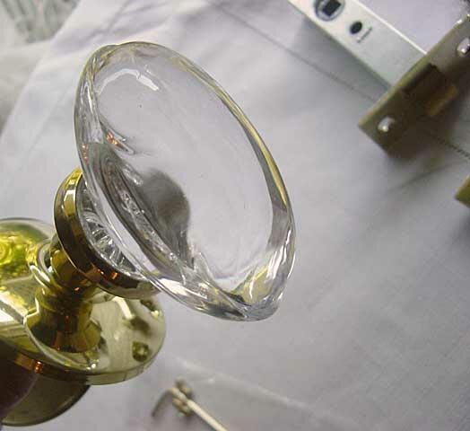 ガラスのドアノブ